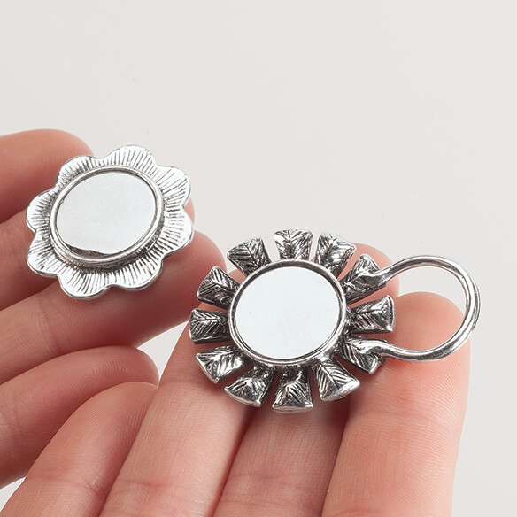 Magnetic Bling Eyeglass Holder - View 2