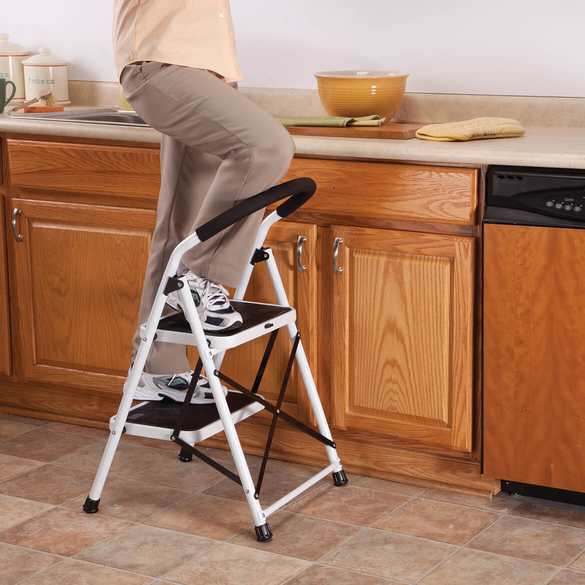 Livingsure 2 Step Ladder Stool Combo With Handgrip Anti